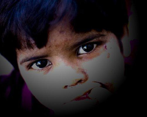 poverty-stricken-children-at-india