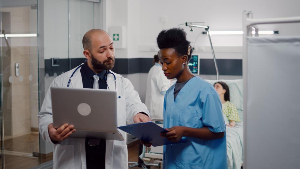 african-nurse-surgeon-doctor-medical-uniform-analyzing-illness-symptom-working-hospital-ward
