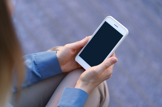 close-up-woman-hands-holding-smartphone-with-black-screen_158595-6847