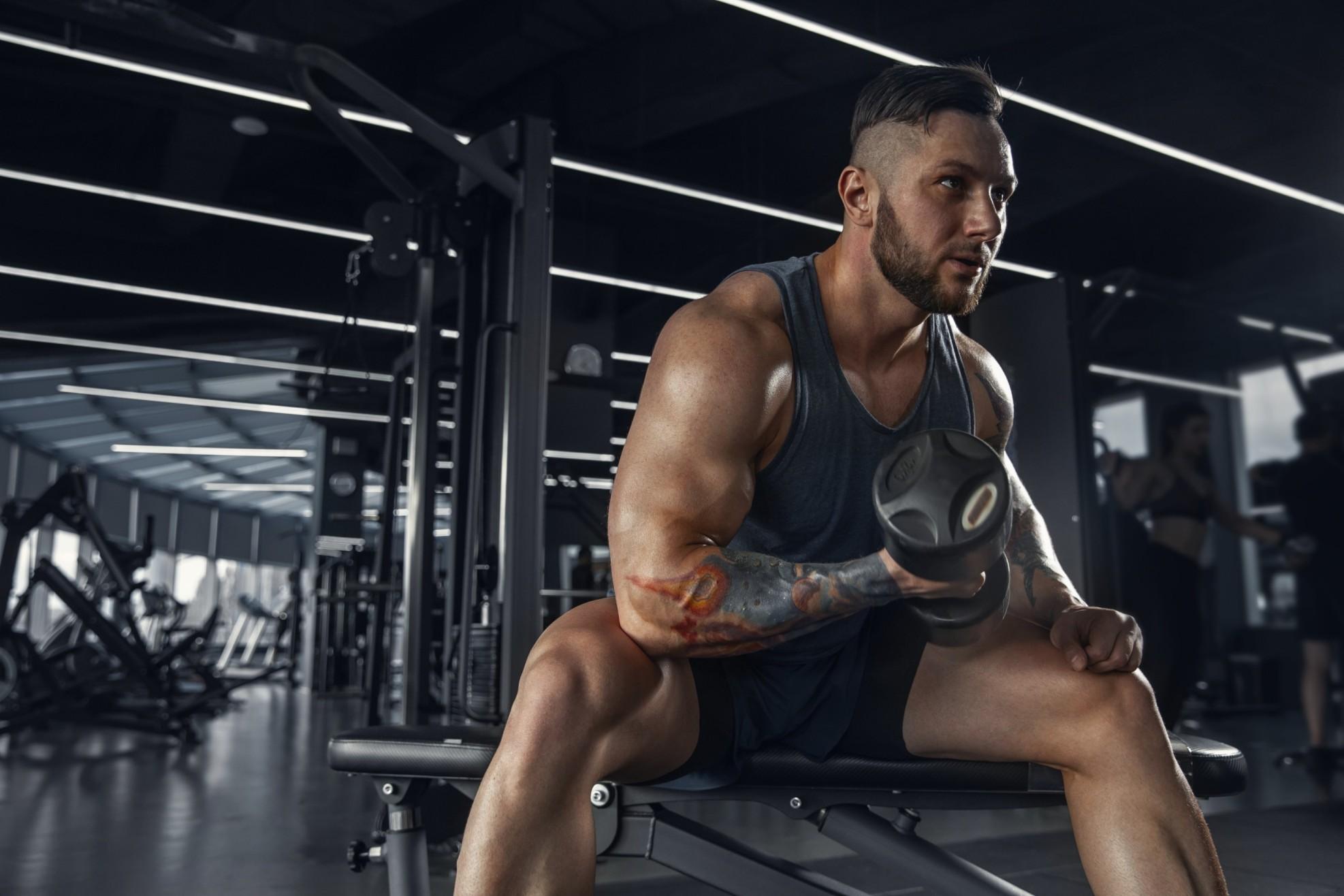 male-athlete-training-hard-gym (1) (1) (2)