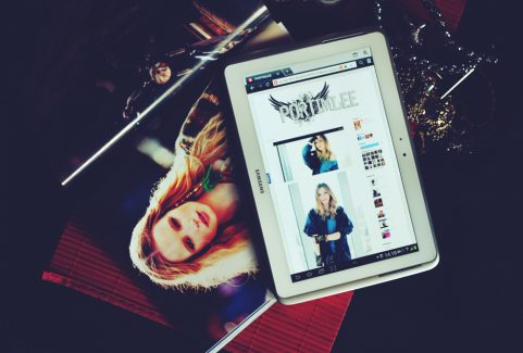 Interactive Digital Magazine for Online Shopping